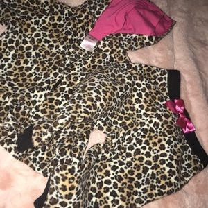 Other - Leopard sweat suit